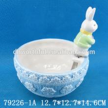 Пасхальный подарок керамическая чаша и нож с фигуркой из кролика