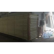 Polyurethane foam panel for cold room