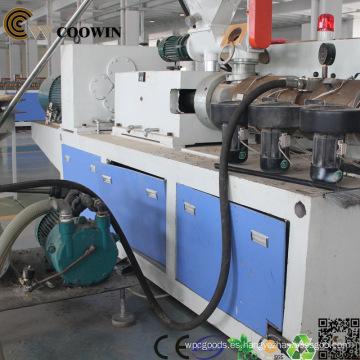 Extrusor automático de doble husillo de perfil WPC