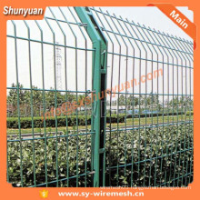 Protecting Wire Mesh Fence