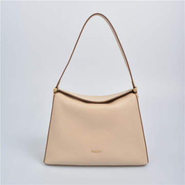 Bolso hobo triangular con asa larga