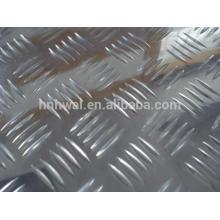 Vente chaude de haute qualité et prix compétitif feuille à cinq carreaux en aluminium à damier