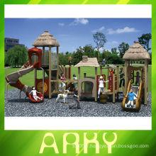 Aire de jeux extérieure créative de la tribu antique pour les enfants