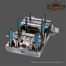 Metal stamping die for automotive connector terminal
