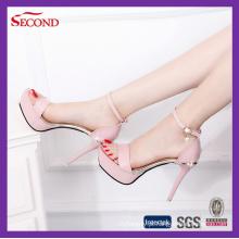 Senhora cor-de-rosa Sandálias do salto alto