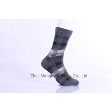 Classic Chequer Pattern Hombre Calcetines de algodón de negocios hechos de 200n vestirse cómodo