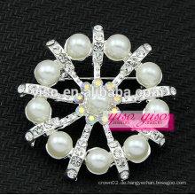 Österreichische kristallklare Perle Brosche Anhänger