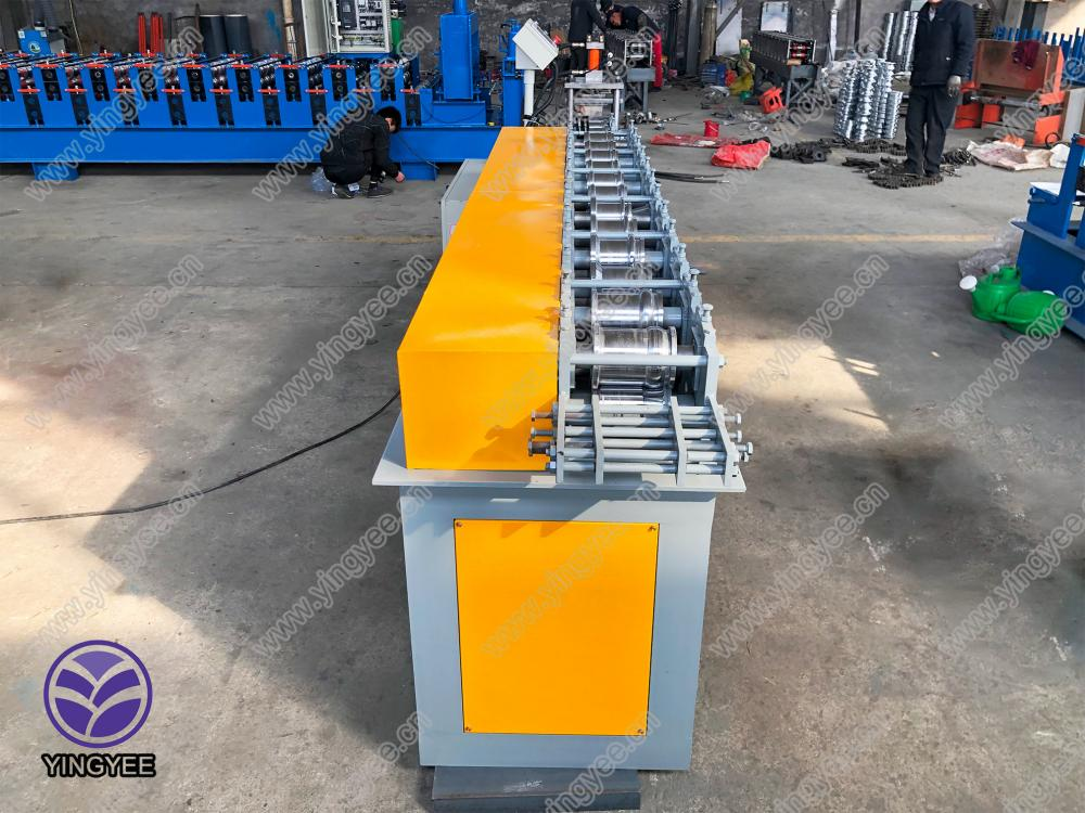 Roller Shutter Slate Roll Forming Machine From Yingyee16