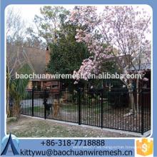 2015 El mejor precio y la cerca superventas del acero / cerca del hierro labrado