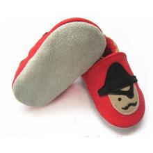 Zapatos del pesebre del prewalk del cuero genuino del suéter suave al por mayor del bebé