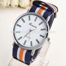 En stock design fashion girls quartz silicone nouvelle arrivée geneva watches