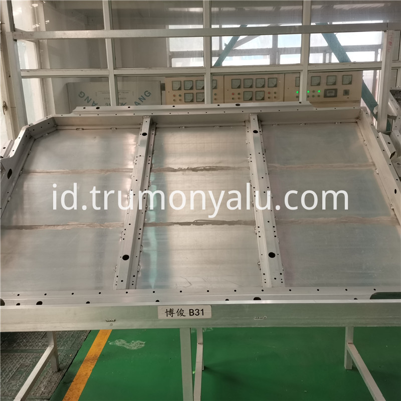 Aluminum Battery Tray03