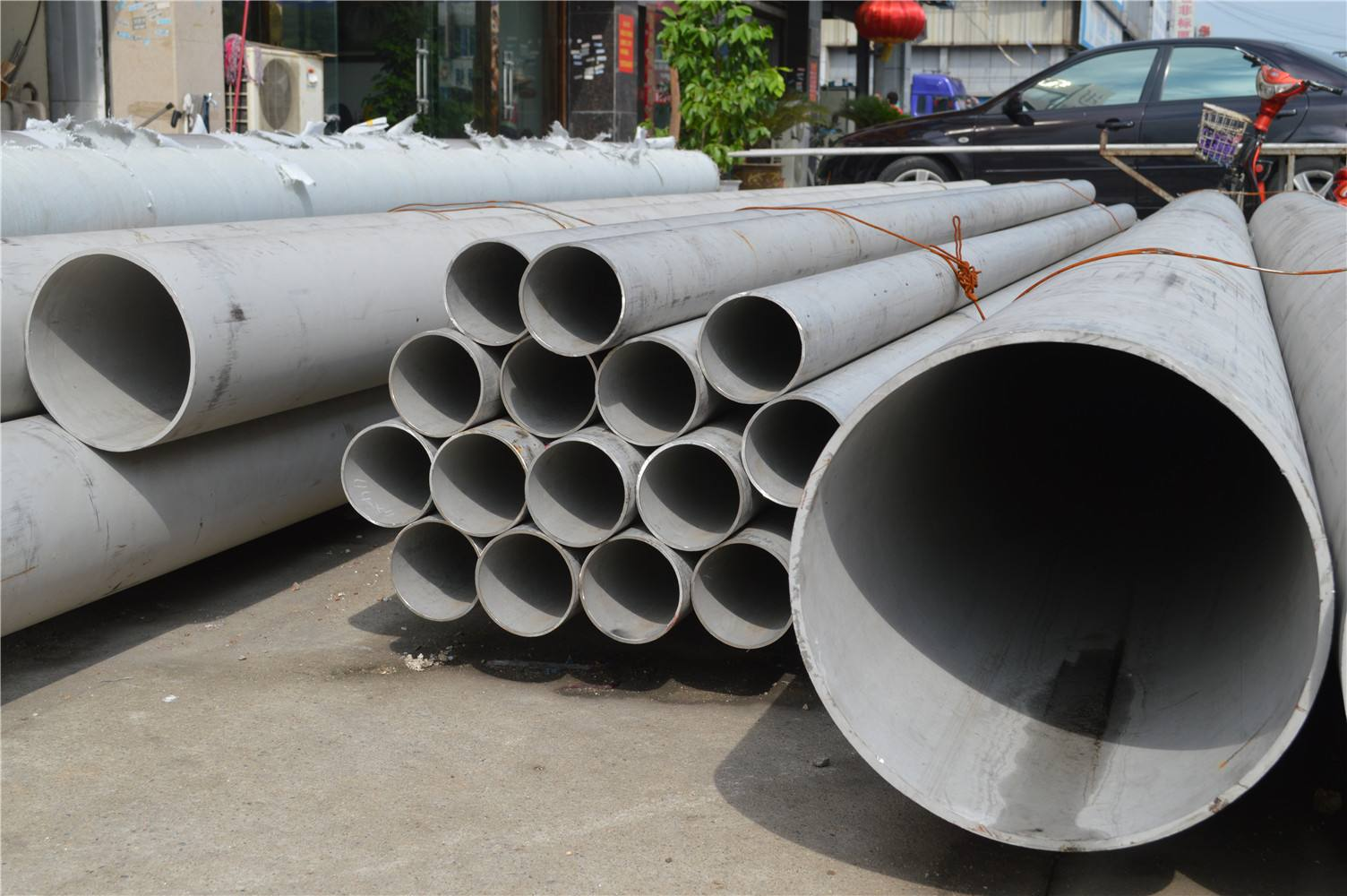 Welded Steel Pipes & Tubes