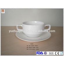 Rodada rodada cerâmica sopa tigela com duas alças e pires