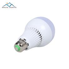 Ampoule de secours rechargeable de haute qualité 3W 5W 7W 9W 12W e27 SMD2835