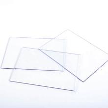 Klare Vorhangfassade aus Polycarbonat
