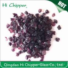 Chips de vidrio púrpura oscuro triturado
