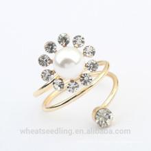 Bague de fiançailles en forme de bijoux en fleurs