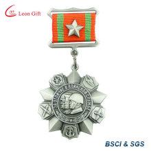 Décoration militaire métal médaille avec ruban