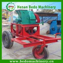 Grande máquina de rapagem de madeira da produtividade para o fundamento do cavalo e da galinha
