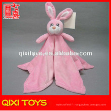 Couverture chaude de vente en peluche de rose avec le jouet en peluche de lapin