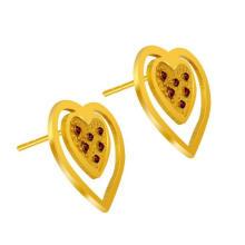 Heart Stud Earrings Mujeres Accesorios de moda 18k Gold