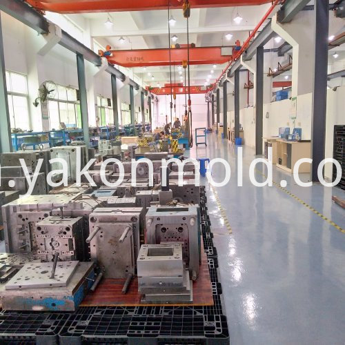 Automotive plastic mold