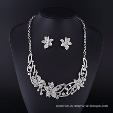 Conjunto de collar de joyas de aleación de zinc con diamantes de imitación de hoja de arce de Canadá de 2016