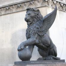 Grande jardim exterior bronze animal alado estátuas de leão para venda