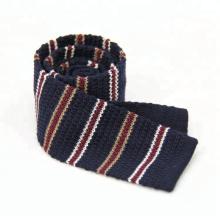 Großhandel Neueste durchbohrte Design Polyester Hand gestrickte Krawatte
