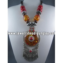 Fashion necklace with big beads