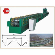 Machine de formage de rouleaux de rail de garde