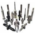 Pinos e punções de posicionamento para componentes de molde automotivo