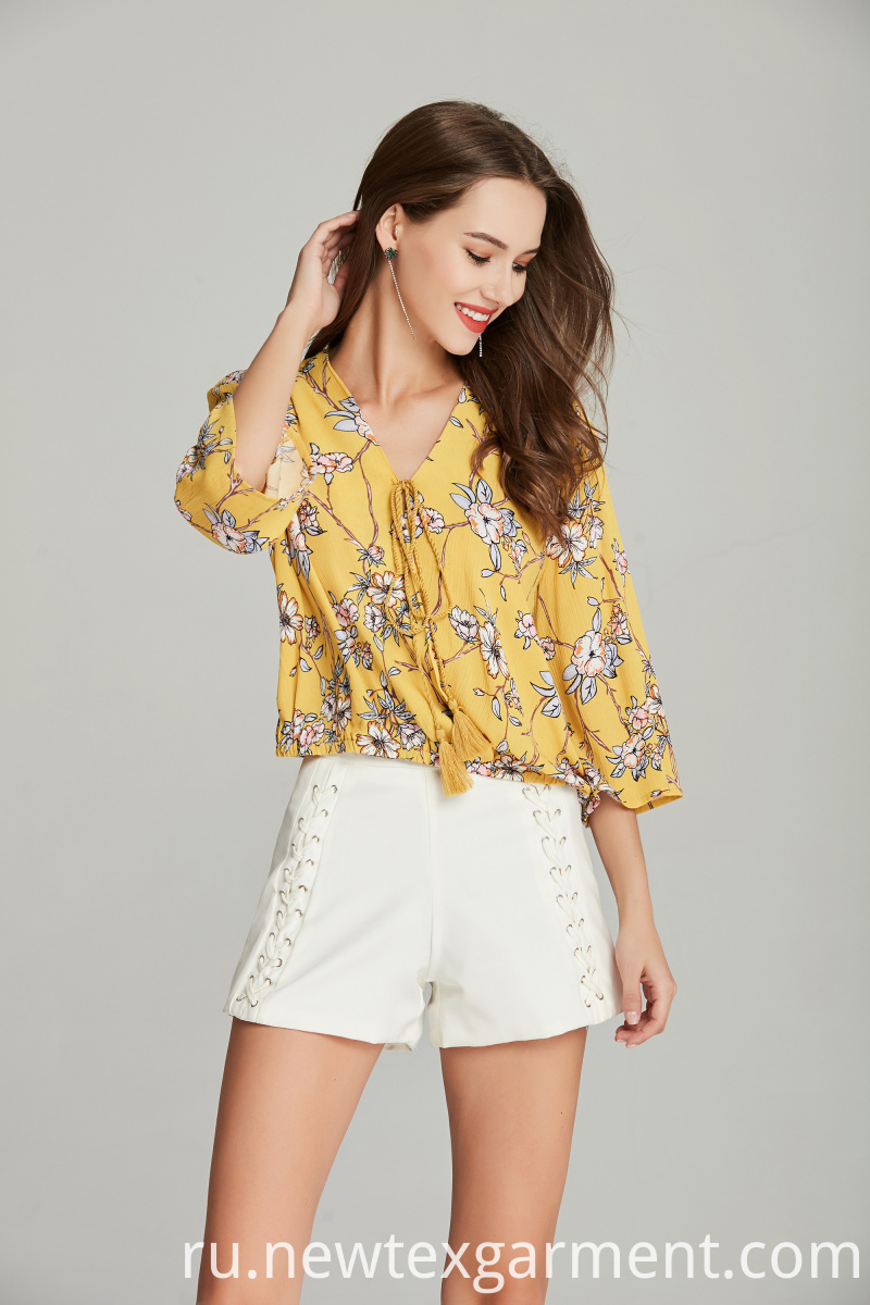 ladies printed floral blouse