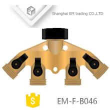 EM-F-B046 Brass 4 way manifold com tomadas de rosca