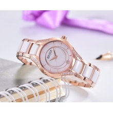 Модные изысканные кварцевые женские наручные часы
