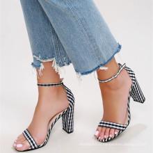горячая распродажа обувь для девочек с милый черный и белый ткань ситцевом регулируемая лодыжки ремень каблуки