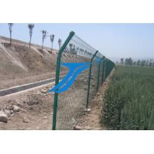 Galvanisierter und PVC-überzogener geschweißter Maschendraht-Zaun