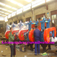 La máquina de serrucho automática del CNC 5 asierra la serrería de madera de la banda