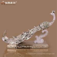 Guangzhou Décor de maison en résine de haute qualité paon pour la décoration de mariage