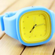 Китай завод красочные Пластиковые кремния часы relojes изображение подарка Промотирования Спорт черный наручные часы CE и RoHS