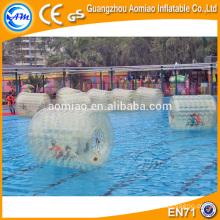 Interesante tanque de agua flotador bola inflable agua rodillo con válvula