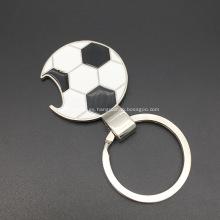 Llavero de forma de fútbol con abrebotellas