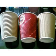 Copo de café de papel quente de ondinha