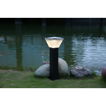 Warm white solar LED garden light