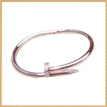 Brazaletes de acero amarillo de la forma del clavo del acero inoxidable de los brazaletes para las señoras por todo el mundo