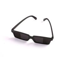 Солнцезащитные очки, вид сзади