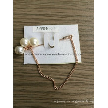 Elegante cadena de moda blanco broche de la perla con el Metal