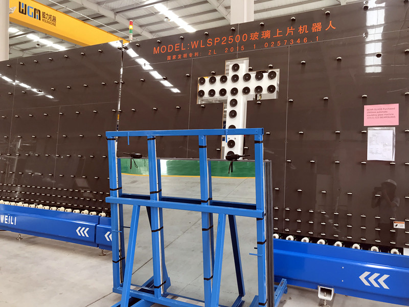 Automatic big glass loading machine