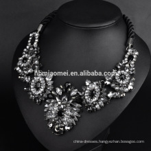 2017 Fashion petal shape beads necklace Europe and the United States necklace fashion colorful gem flowers